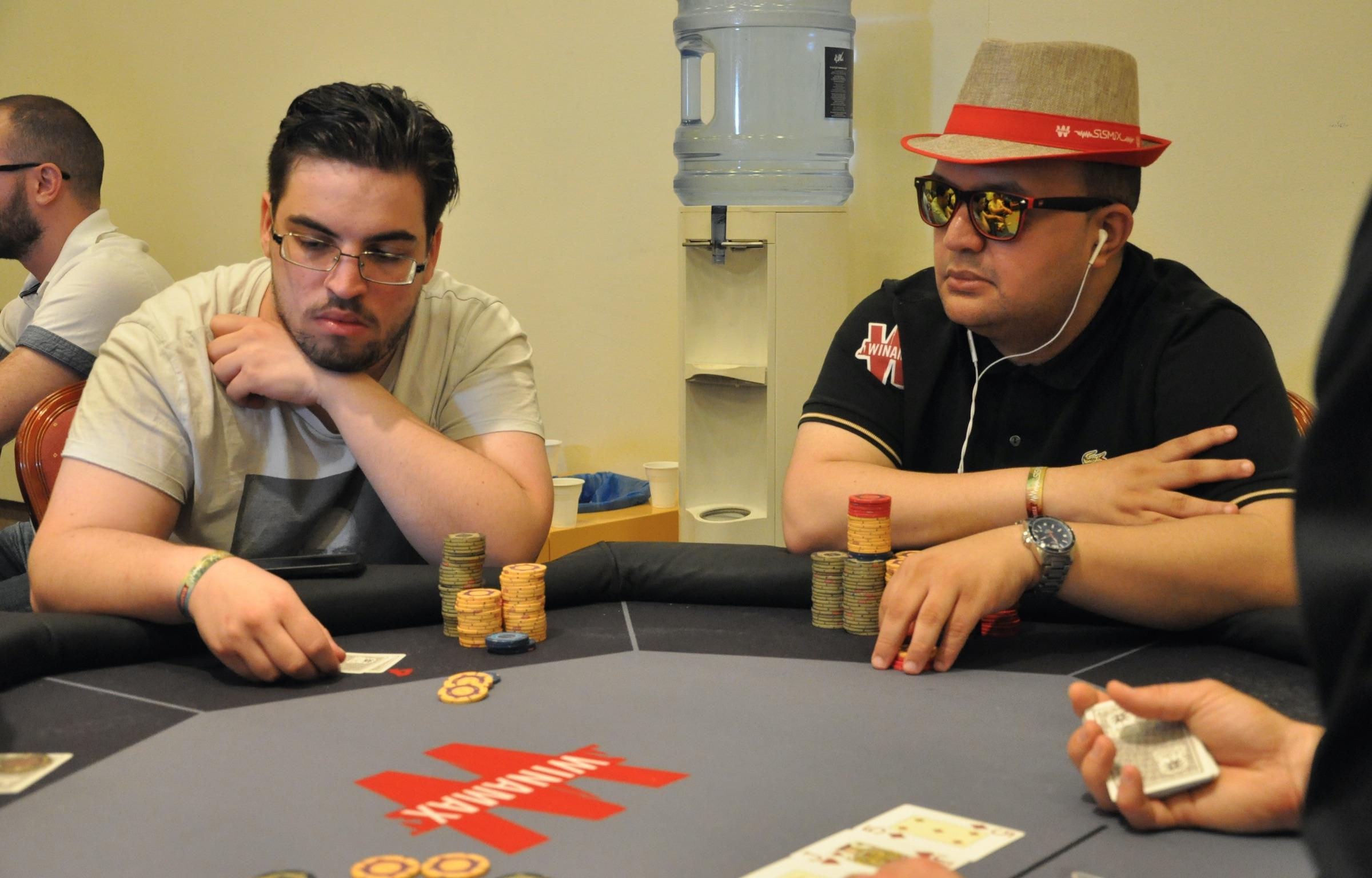 Poker collusion signals