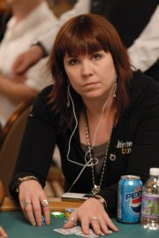 Scandale Ultimate Bet : Annie Duke diffuse un communiqué