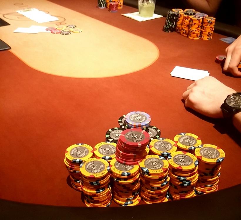 Poker_Stack.thumb.jpg.928f89b4e6cfdb4090