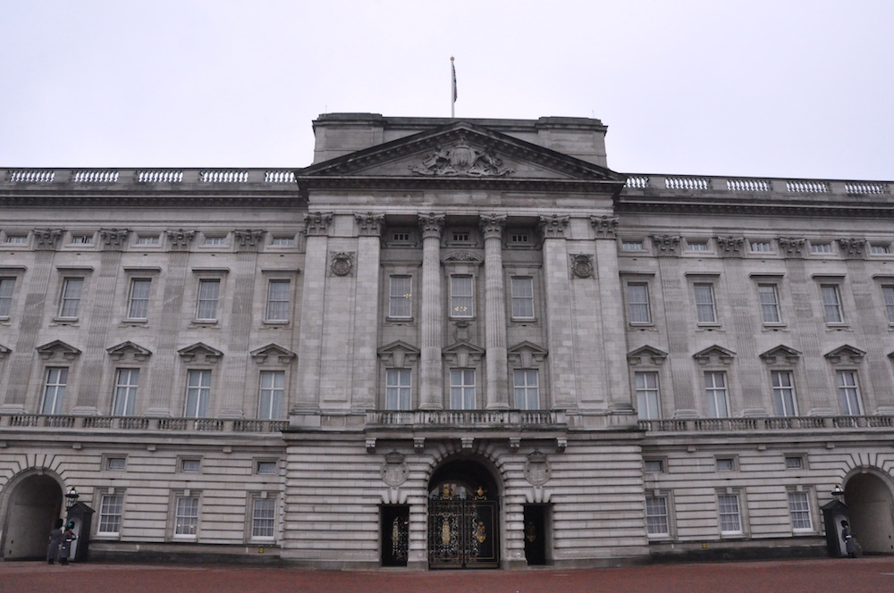 large.London8_buckingham_palace.JPG.ad8f