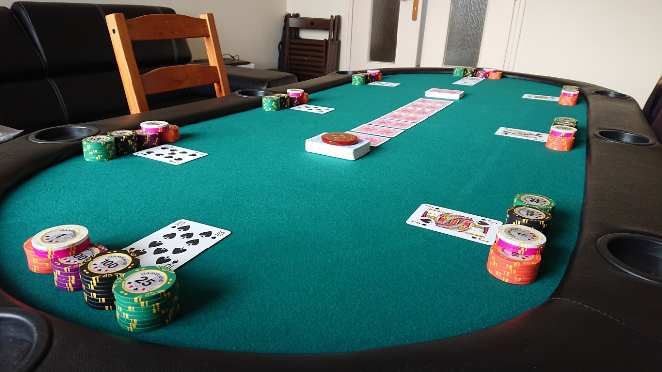 Table_GameLang_small_1.jpg
