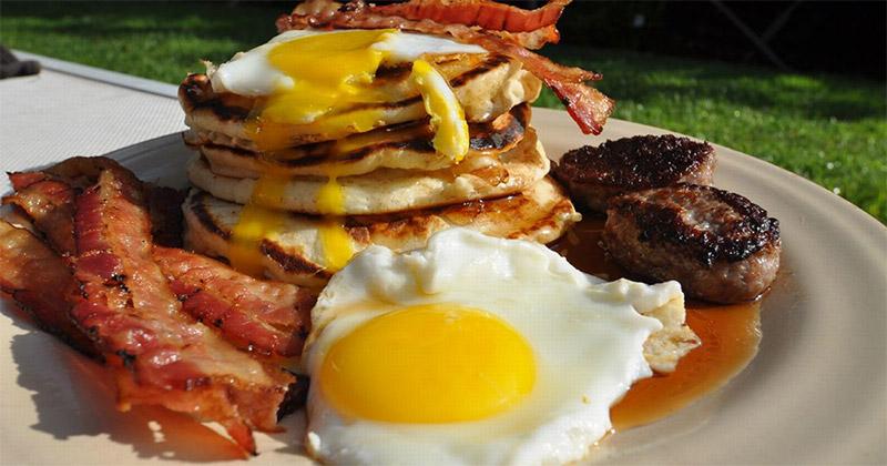 petit-dejeuner-americain.jpg.3571eff262d559bfc69b4b3cf5899b48.jpg