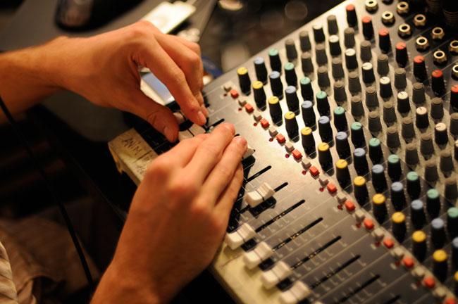 Console-Club-Poker-Radio-9239.jpg