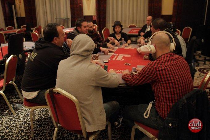 table-roy-624980.jpg