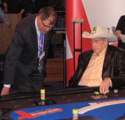 Doyle Brunson et le floor