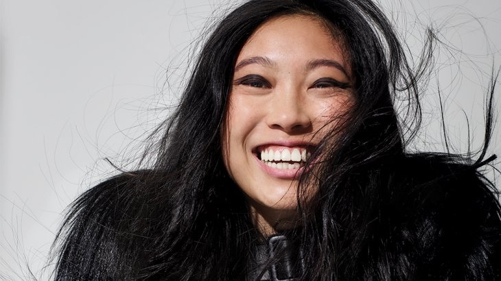 The Baccarat Queen : Awkwafina décroche le premier rôle du film