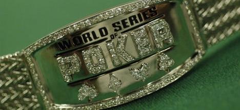 bracelet-2005-956299.jpg