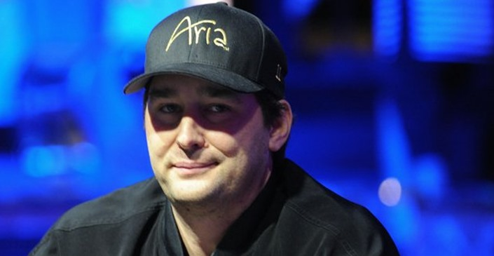 Phil Hellmuth contre le reste du monde : le Poker Brat fait amende honorable