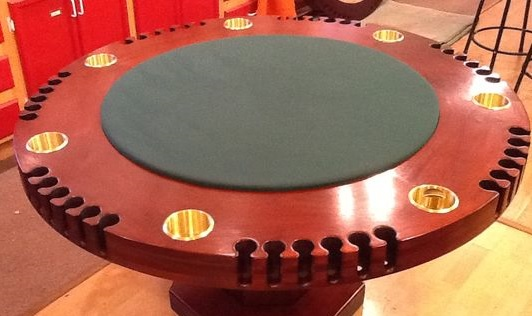 Une réplique de la table de poker d'Harry Truman vendue 185 000 $