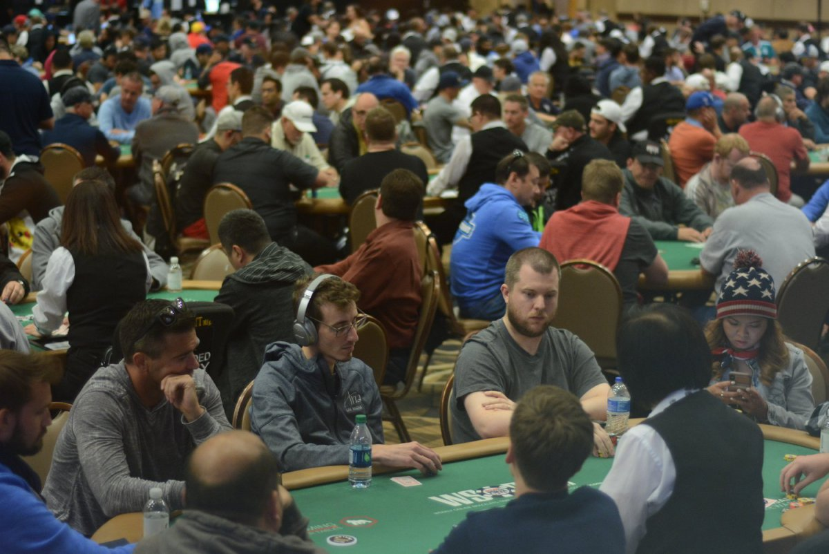 World Series of Poker : le Main Event tutoie des records