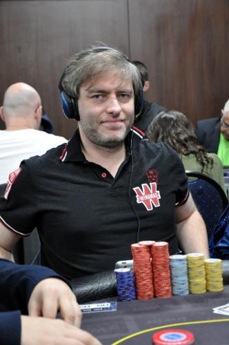 Un coup de poker synonyme russian roulette red velvet mp3